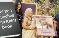 Salman calls Bina Kak's book great